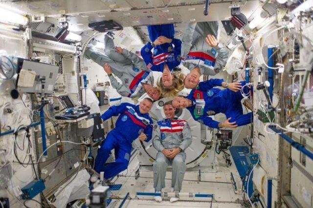 Новичкам непросто адаптироваться к жизни на космической станции