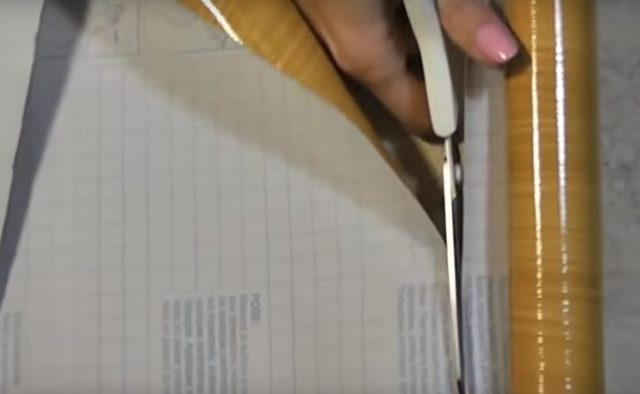 Нарезка пленки для оклейки разделителей