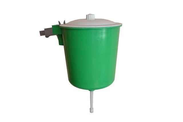 Простой пластиковый умывальник (рукомойник)