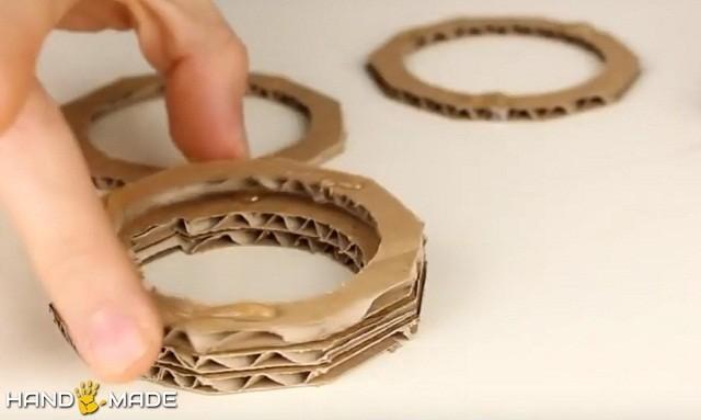 Склеивание картонных колец